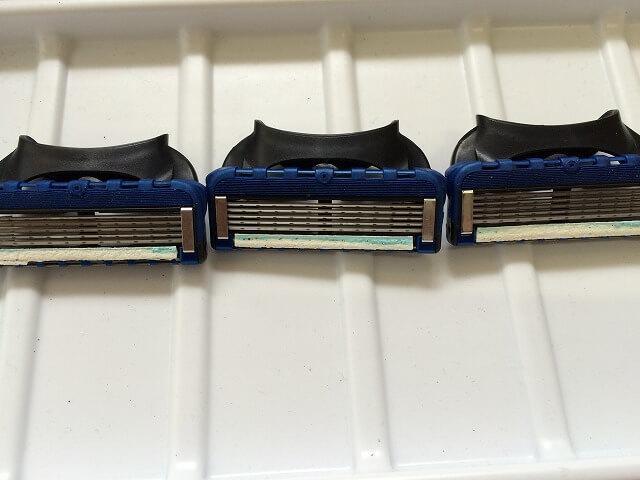 レイザーピット使用後の替刃の比較